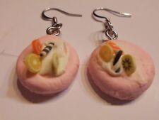 Ohrringe runde rosa Waffel mit Sahne sowie Früchte  aus Kunststoff 4587