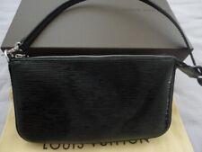 Louis Vuitton POCHETTE ACCESSOIRES NM in Epi Electric Noir