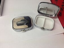 Bond 875 (Three Wheeler) ref32 pewter effect car emblem on silver metal pill box