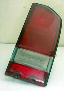 Geo Tracker Suzuki Sidekick 1989-1998 Right side Passenger brake Tail Light RED