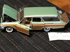 franklin mint Ford Country Squire 9passenger Station Wagon 1961 Toy Car 1/24 Sca