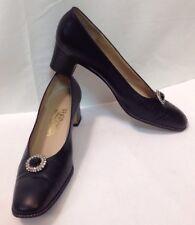 Vtg Designer Salvatore Ferragamo Black Low Pumps  Heels 9 AAAA Narrow Italy Made