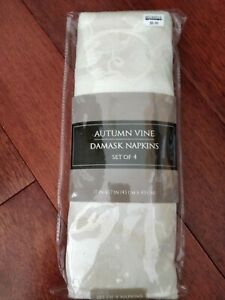 Autumn Vine Damask Napkins in Ivory (Set of 4) NEW