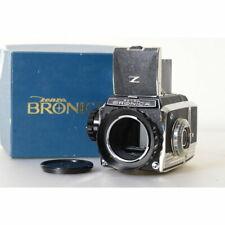 Zenza Bronica S2A Mittelformatkamera mit Sucher und Wechselmagazin