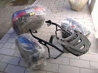 Set Givi 2 bauletti laterali 1 posteriore completo di supporto Honda Hornet 600