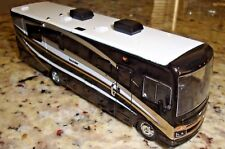 1:64 GREENLiGHT *BLACK* 2016 Fleetwood Bounder RV 30th Anni LIMITED EDITION