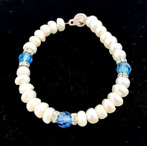 BRACELET Womens Pearls with a Silver Clasp and 3 Clear Blue Beads and Silver