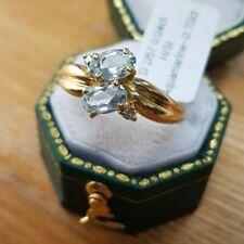 STUNNING 18 CT YELLOW GOLD AQUAMARINE  & DIAMOND RING