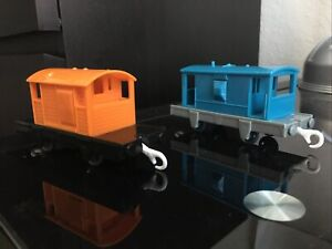 Thomas and Friends TrackMaster Brakevans Lot of 2 Orange and Blue