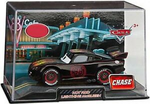 Cars Cars 2 1:43 Collectors Case Hot Rod Lightning McQueen Exclusive Diecast Car