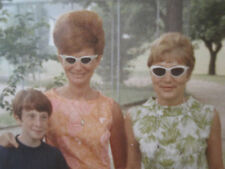 VINTAGE 1967 MY REDHEAD MOM & GRANDMA WAS AN ALIEN BEEHIVE HAIR SUNGLASSES PHOTO