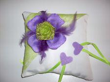 Coussin mariage pour alliances violet et vert anis