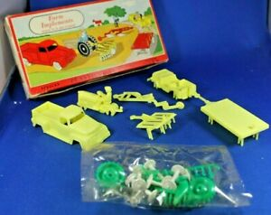 O/S - Plasticville - #1302 Farm Implement - Yellow & Green - Sealed Parts Bag