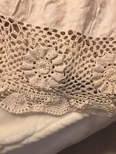 Crochet Bed Skirt twin Size Beige/Ivory Circa 1998 Vintage Shabby Chic Farmhouse