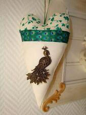 Coeur chic à suspendre, gris et blanc, pour décoration mur ou porte Paon peacock