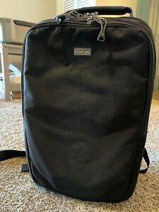 Think Tank Airport Essentials Camera Photography Backpack Bag Excellent Cond.