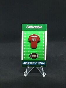 Tampa Bay Buccaneers Rob Gronkowski jersey lapel pin w/display stand-Collectible