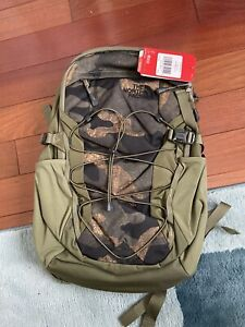 The North Face Classic Borealis Backpack 15'' Laptop TNF Bag Black/Camo Green