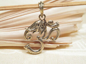 Anhänger Ganesha im OM Symbol - Elefantengott - 5 Metalle Amulett - Nepal