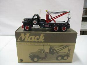 First Gear Texaco Expressway 1960 B-61 Mack Tow Truck 1/34