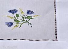 NAPPE CENTRE DE TABLE BRODE MAIN 85 cm x 85 PERVENCHE BLEUE *