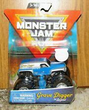 Hot Wheels MONSTER JAM GRAVE DIGGER THE LEGEND Figure & Poster Spin Master 1:64