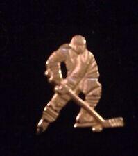 14K Gold Hockey Player Charm A92