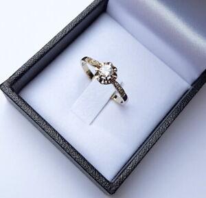 Bague ancienne Art Déco or blanc 18 carats saphir blanc et diamants époque 1920