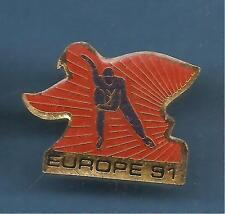 Pin's pin PATINAGE VITESSE SUR GLACE EUROPE 1991 ( ref 077 )
