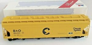 WEAVER 2 RAIL CHESSIE SYSTEM 4 BAY CENTERFLOW COVERED HOPPER CAR O SCALE FREIGHT