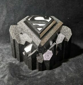 Smallville - New Crystal of El with matching stand, 3D Printed prop replica