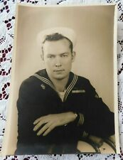 VINTAGE 5 BY 7 WWII NAVY PHOTO OF HANDSOME YOUNG SAILOR WITH INTENSE GAZE