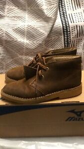 youth clarks original desert boot brown leather size 2