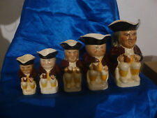 SERIE DE 5 PICHETS BARBOTINES WOOD  POTTERS OF BURSLEM ENGLAND SIGNEES TOBY PS