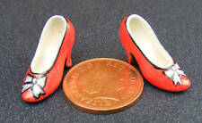 1:12 Scale Pair Of Resin Ladies Shoes Tumdee Dolls House Miniature Accessory SA5