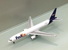 Gemini Jets 1/400 FedEx Federal Express Boeing 767-300FN102FE die cast model