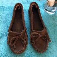 Minnetonka Women's  Brown Suede Leather Slip On Moccasins Sz. 6.5