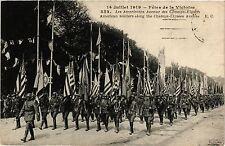 CPA Militaire, Les Americains Avenue des Champs-Elysees (362189)