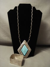 OPULENT AND BEST KEE JOE BENALLY (D). PIECE OF JEWELRY (NECKLACE & BOX)