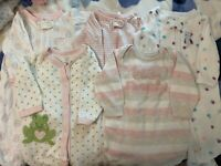 5 PIECE BABY GIRL CLOTHING LOT SIZE 0-3 MONTHS