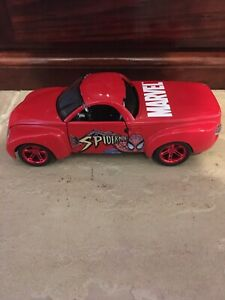 Maisto 2000 Chevrolet SSR Marvel Spiderman 1/25 Scale