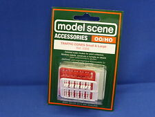 Model Scene Accessories Traffic Cones large and small Ref 5008 Gauge OO New