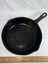 unbranded cast iron skillet, No. 5, 8 1/8 inch