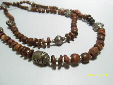 Scuro Di legno Etnico Collana con Argento Antico Intricato Perline Liscio
