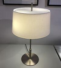 Santa & Cole Diana Lampe de table-Satin Nickle structure-En Lin Blanc Abat-jour