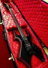 B Rich WMD Warbeast utilizado C Guitarra Eléctrica Muy Buen Estado Con Estuche Warwick