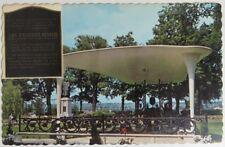 VINTAGE JFK MEMORIAL IN FREDERICTON N.B. UNUSED POSTCARD              (INV18222)