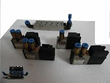 Barra Pneumatica con 4 elettrovalvole SMC, 3x EVZ1120 1X EVZ110