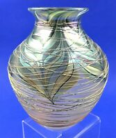 EARLY LUNDBERG STUDIO IRIDESCENT THREADED ART GLASS VASE - SIGNED - DATED 1980