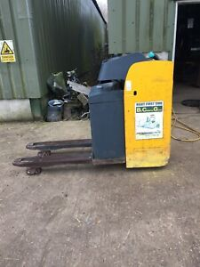 Jungheinrich ESE120 Ride-On Power Pallet Truck. 2000kgs capacity 24V Charger inc